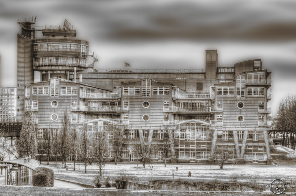 Blick vom Michel auf das Gruner + Jahr Gebäude.